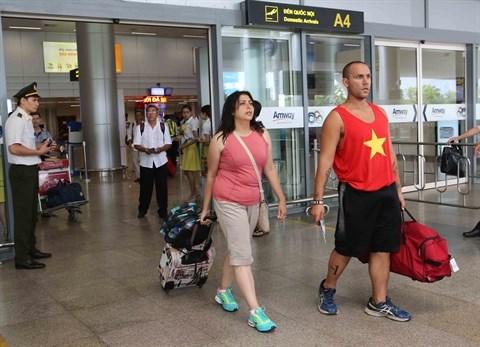 Prolongation de l'exemption de visa a duree determinee pour les citoyens de certains pays hinh anh 1