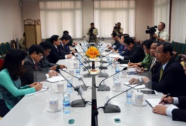 Vietnam et Cambodge discutent des affaires relatives aux minorites ethniques hinh anh 1