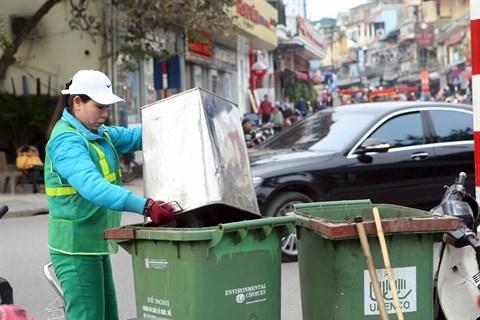 La ville de Hanoi remedie a la collecte des ordures menageres hinh anh 1