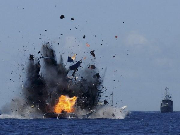 La Marine thailandaise ouvre le feu sur des bateaux vietnamiens hinh anh 1