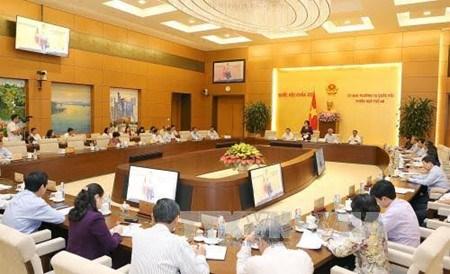Le Comite permanent de l'AN analyse le bilan socioeconomique du 1er semestre hinh anh 1