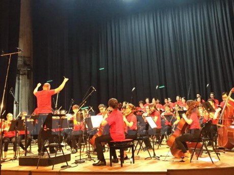 Le chœur Que huong exprime son amour de la Patrie dans un 1er CD «To quoc yeu thuong» hinh anh 1