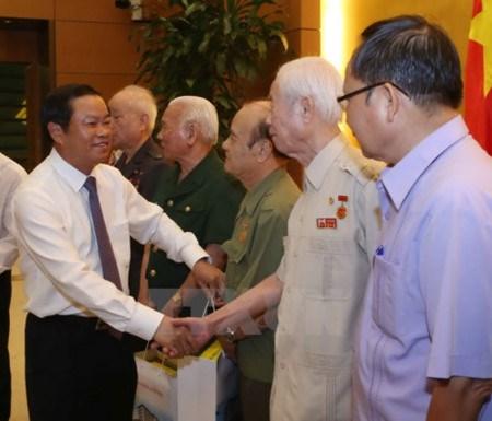 Rencontre avec d'anciens jeunes volontaires hinh anh 1