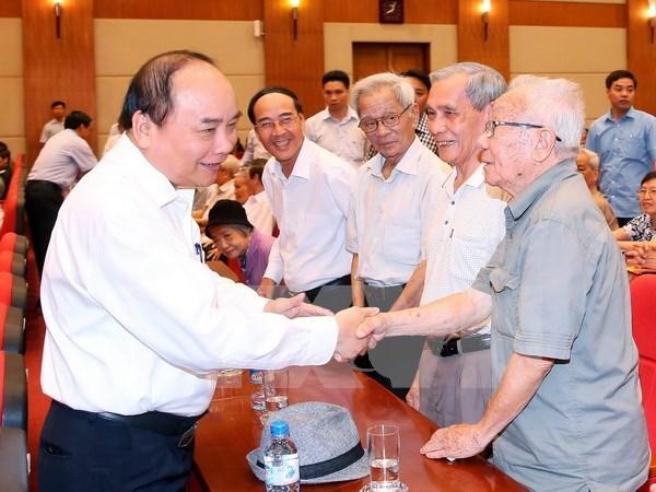 Le Premier ministre rencontre des electeurs de Hai Phong hinh anh 1