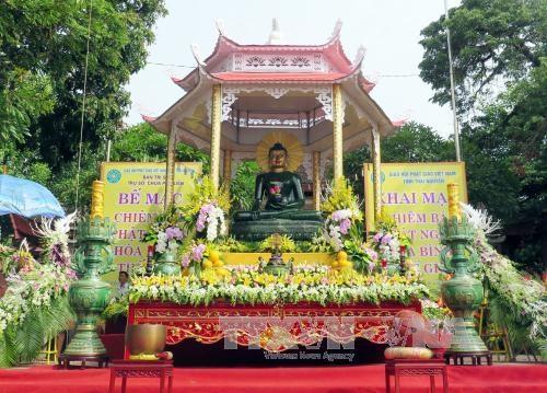 La statue du Bouddha de Jade pour la paix universelle a Thai Nguyen hinh anh 1