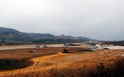 2.000 milliards de dongs d'investissement pour l'aeroport de Na San hinh anh 1