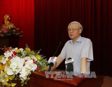 Rencontre entre le Secretariat du Parti et des cadres dirigeants retraites du Sud hinh anh 1