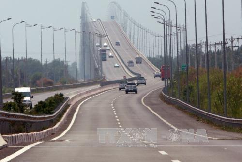 Plus de 8.000 milliards de dongs pour l'autoroute Dau Giay - Tan Phu hinh anh 1