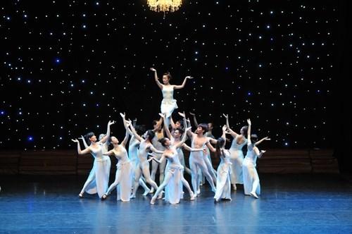 Ballet de Balanchine a l'Opera d'Ho Chi Minh-Ville hinh anh 1