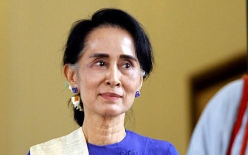 La conseillere d'Etat du Myanmar en visite officielle en Chine hinh anh 1