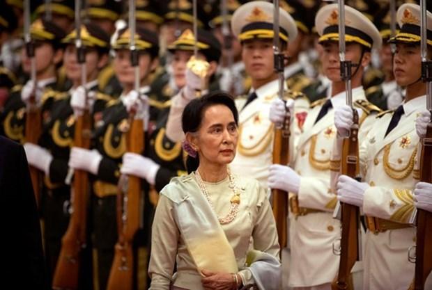 La conseillere d'Etat Aung San Suu Kyi : la paix est le premier objectif du Myanmar hinh anh 1