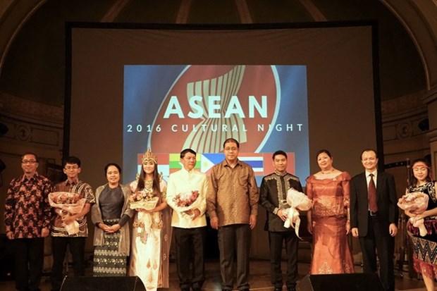 L'anniversaire de l'ASEAN celebre au Royaume-Uni et en Norvege hinh anh 2