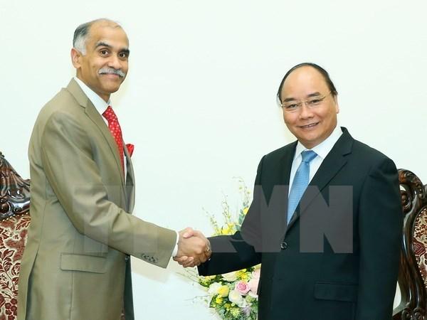 Le PM Nguyen Xuan Phuc recoit l'ambassadeur indien Harish Parvathaneni hinh anh 1