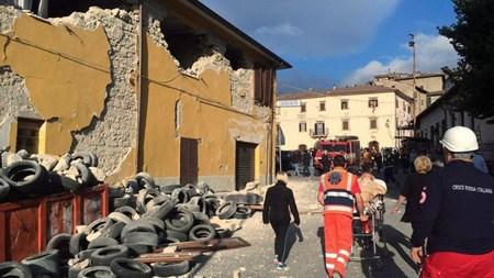 Seisme en Italie : condoleances des dirigeants vietnamiens hinh anh 1