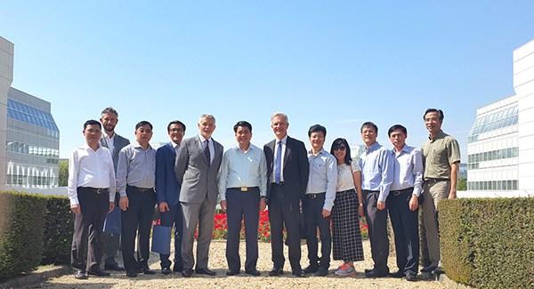 Hanoi et Paris scellent une cooperation dans plusieurs domaines hinh anh 1