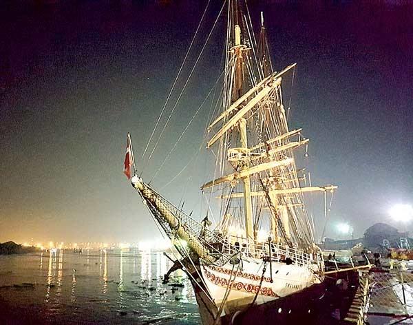 Le plus ancien voilier norvegien fait escale a Ho Chi Minh-Ville hinh anh 1