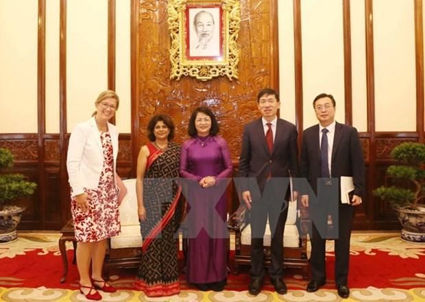 Dang Thi Ngoc Thinh recoit l'assistant du secretaire general de l'ONU hinh anh 1