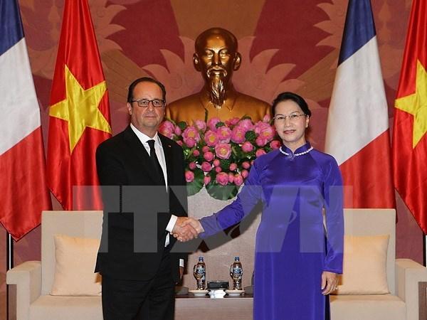 Entrevue Nguyen Thi Kim Ngan - Francois Hollande hinh anh 1