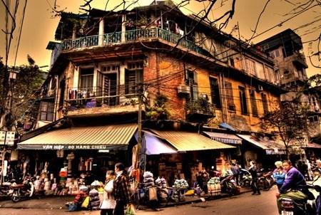 Le president francais se rend dans le Vieux quartier de Hanoi hinh anh 4