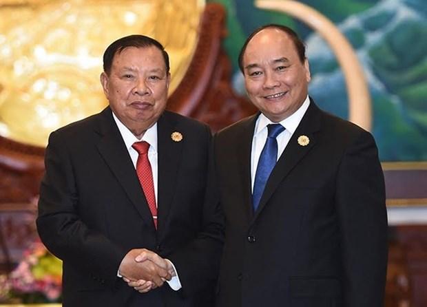 Le PM Nguyen Xuan Phuc rencontre les plus hauts dirigeants laotiens hinh anh 2