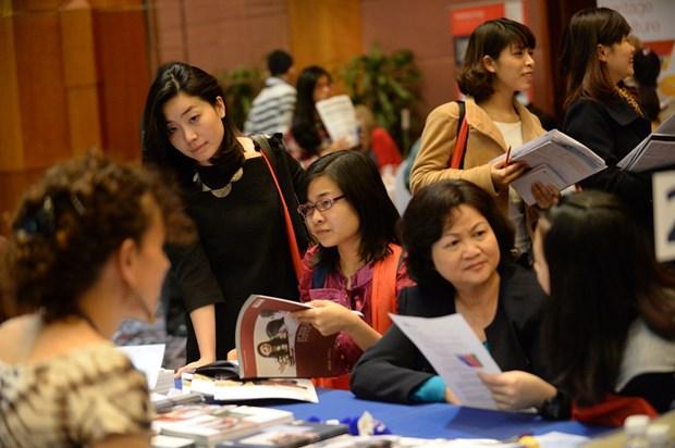 Bientot les journees d'information sur les bourses de l'UE a Hanoi et HCM-Ville hinh anh 1