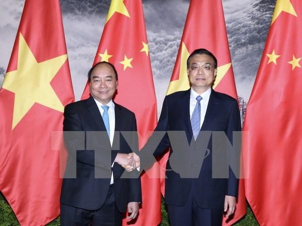Entretien Nguyen Xuan Phuc et Li Keqiang hinh anh 1
