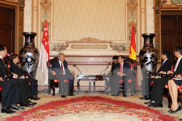 Ho Chi Minh-Ville accueille le vice-PM singapourien Teo Chee Hean hinh anh 1