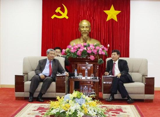 Une delegation de haut rang de Vientiane se rend a Binh Duong hinh anh 1
