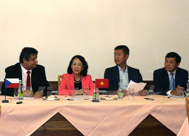 Une delegation du PCV en visite de travail en Republique tcheque hinh anh 1