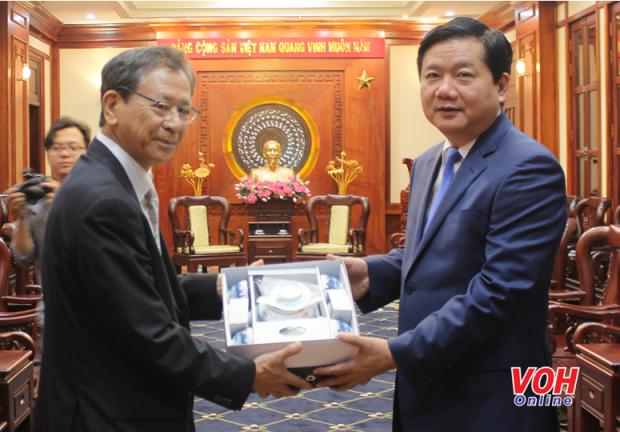 Des dirigeants de Ho Chi Minh-Ville recoivent l'ambassadeur du Japon hinh anh 1