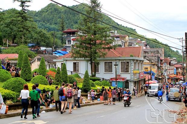 Lao Cai table sur 2 millions de touristes en 2016 hinh anh 1