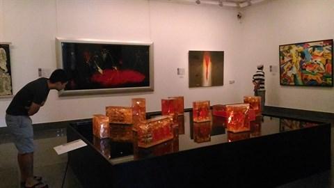 Une exposition pour retracer l'histoire des beaux-arts depuis le Doi moi hinh anh 2