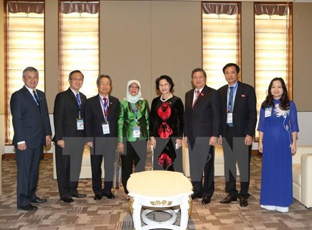 Vietnam et Singapour intensifient les relations entre les deux organes legislatifs hinh anh 1