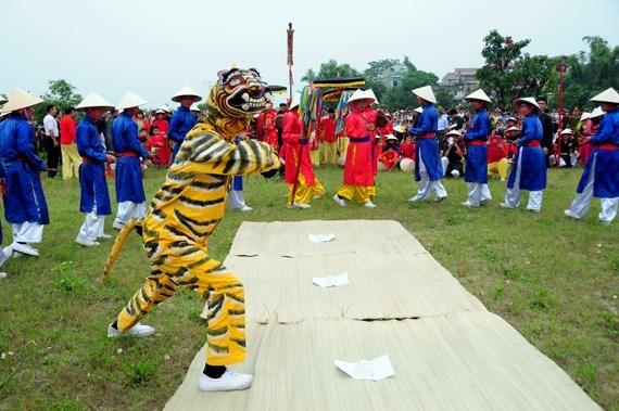 Le chant et la danse d'Ai Lao reconnus patrimoine culturel national hinh anh 1