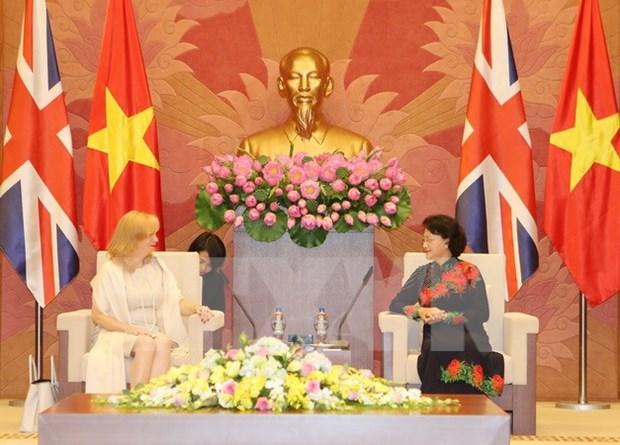 Des dirigeants vietnamiens recoivent une deputee britannique hinh anh 1