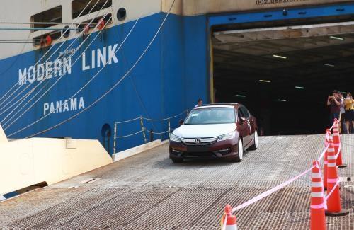 Le premier roulier mouille au port de Tan Vu – Hai Phong hinh anh 1
