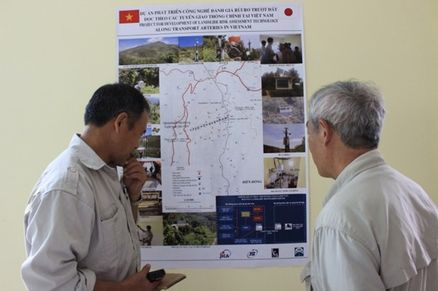 Le Japon finance un projet pour evaluer les risques de glissements de terrain hinh anh 2