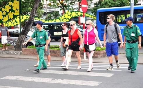 Da Nang cree un groupe de reaction rapide pour renforcer la securite aux touristes hinh anh 1