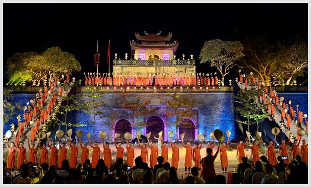L'ao dai fait son festival dans l'ancienne cite royale de Thang Long hinh anh 2