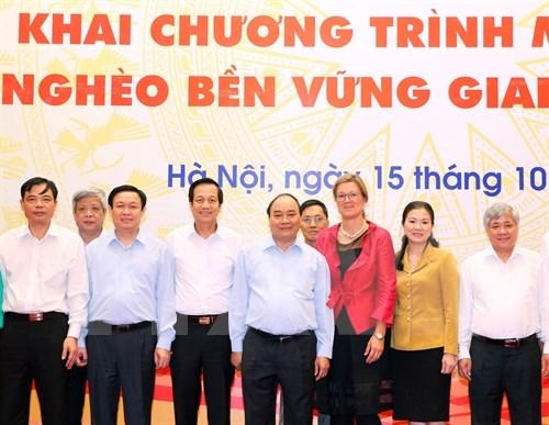 Le PM Nguyen Xuan Phuc exhorte a intensifier la lutte contre la pauvrete hinh anh 1