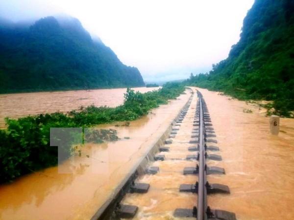 Aides d'urgence pour quatre provinces du Centre frappees par les crues hinh anh 1