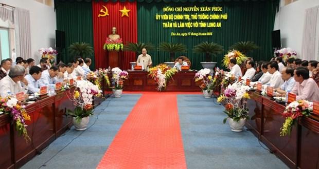 Le PM demande a Long An de devenir l'un des trois centres economiques du Sud hinh anh 1