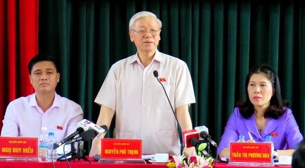 Le leader du Parti rencontre des electeurs de l'arrondissement de Tay Ho a Hanoi hinh anh 1