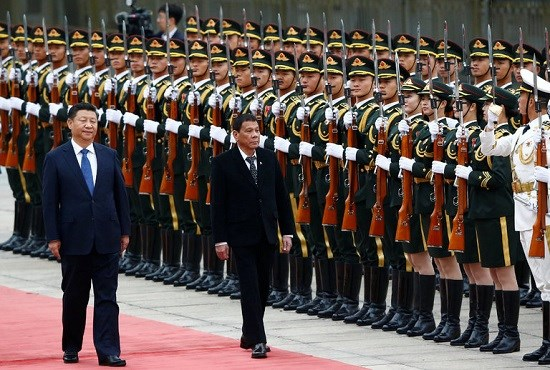 Le president chinois Xi Jinping recoit son homologue philippin Rodrigo Duterte hinh anh 1