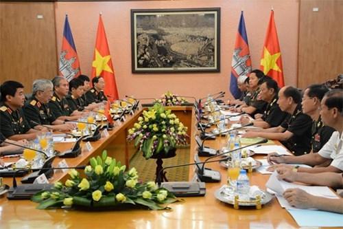 Deuxieme dialogue sur la politique de defense Vietnam-Cambodge hinh anh 1