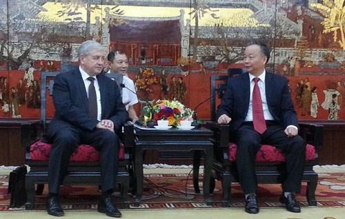 La Bielorussie souhaite aider Hanoi a developper son metro hinh anh 1