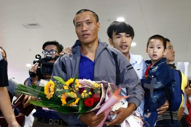 Retour au Vietnam des trois marins retenus par des pirates somaliens hinh anh 2