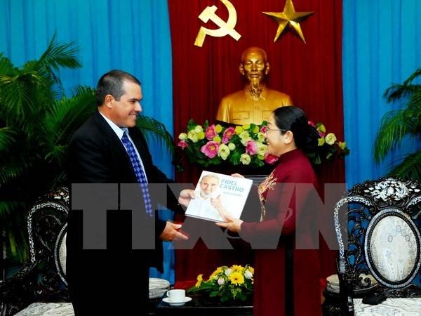 Une delegation de l'agence cubaine de presse Prensa Latina a Ho Chi Minh-Ville hinh anh 1