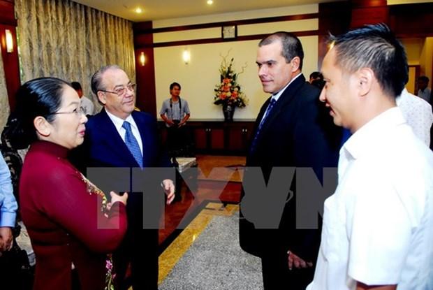 Une delegation de l'agence cubaine de presse Prensa Latina a Ho Chi Minh-Ville hinh anh 2
