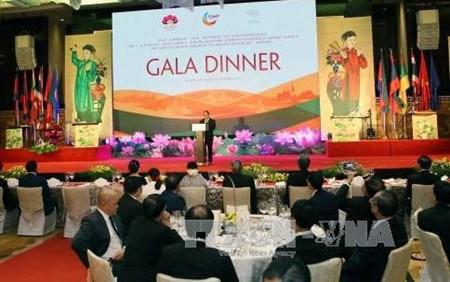 Diner de gala en l'honneur des participants aux grands evenements en cours a Hanoi hinh anh 1
